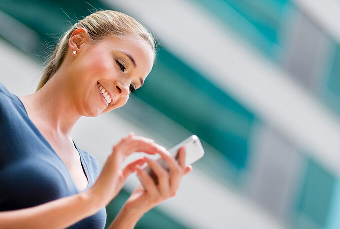 What is M-Commerce? (+The Difference in Mobile Commerce and E-Commerce)
