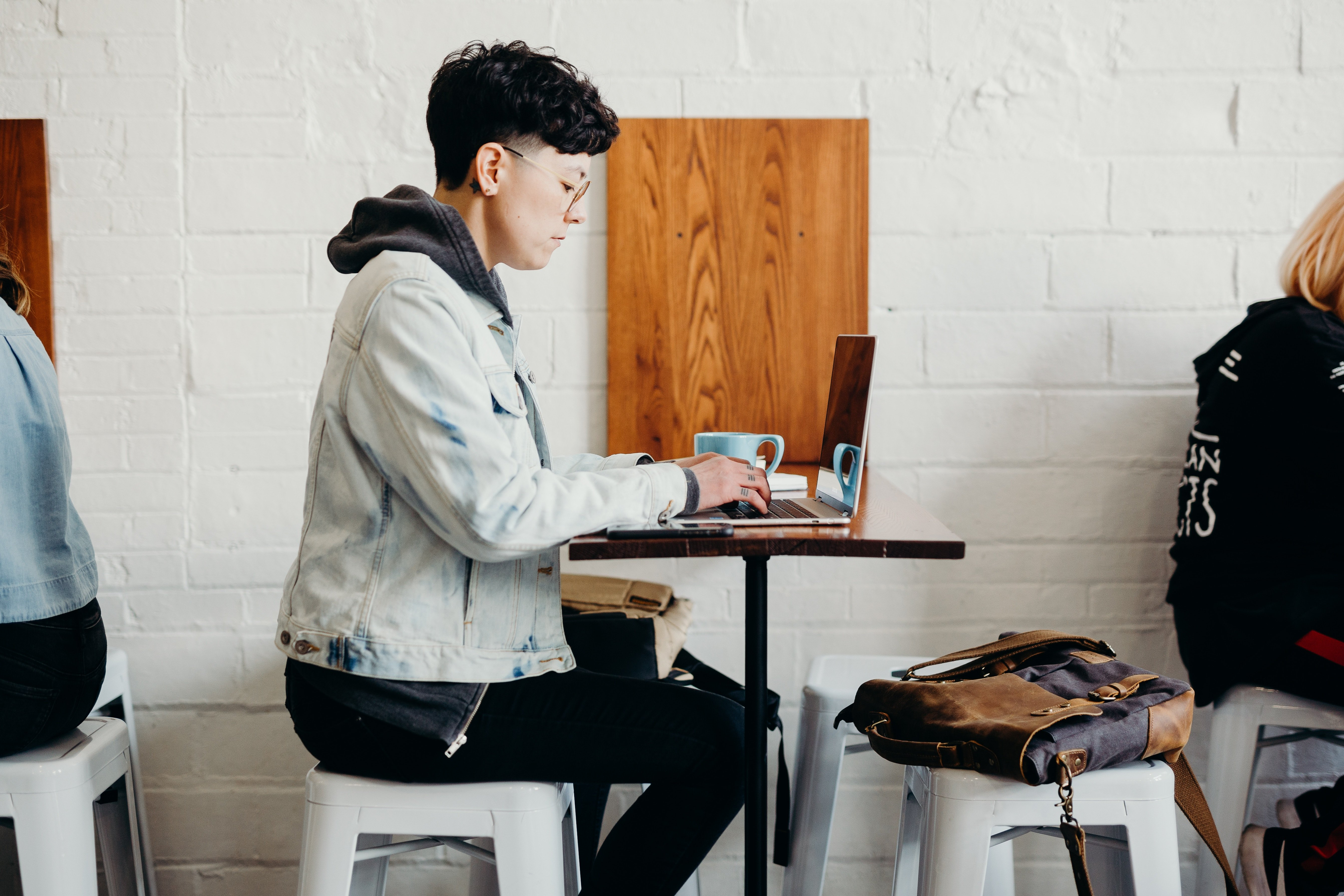 What Is the Gig Economy? (+How to Be a Part of It)