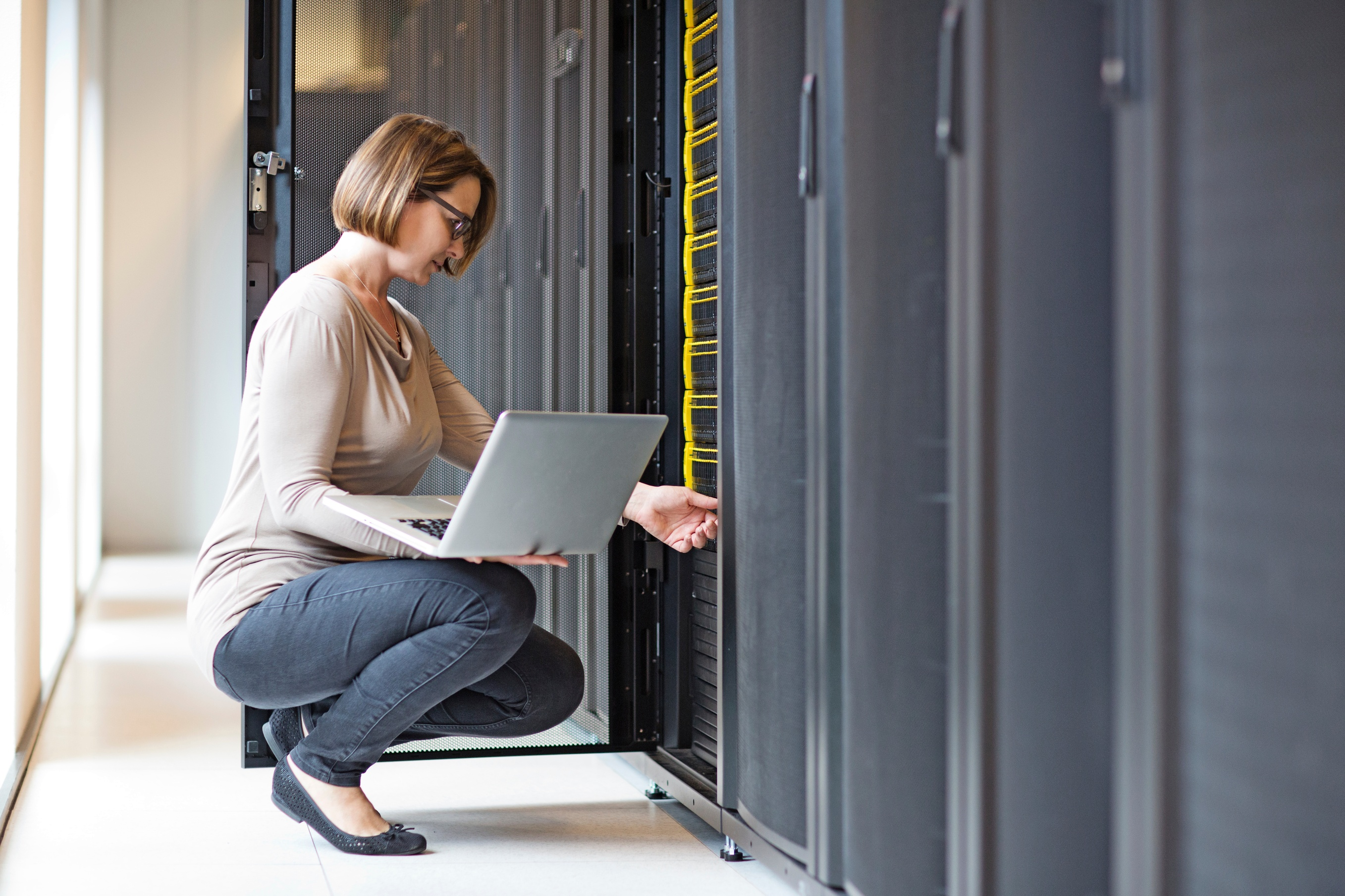 web-server-vs-application-server